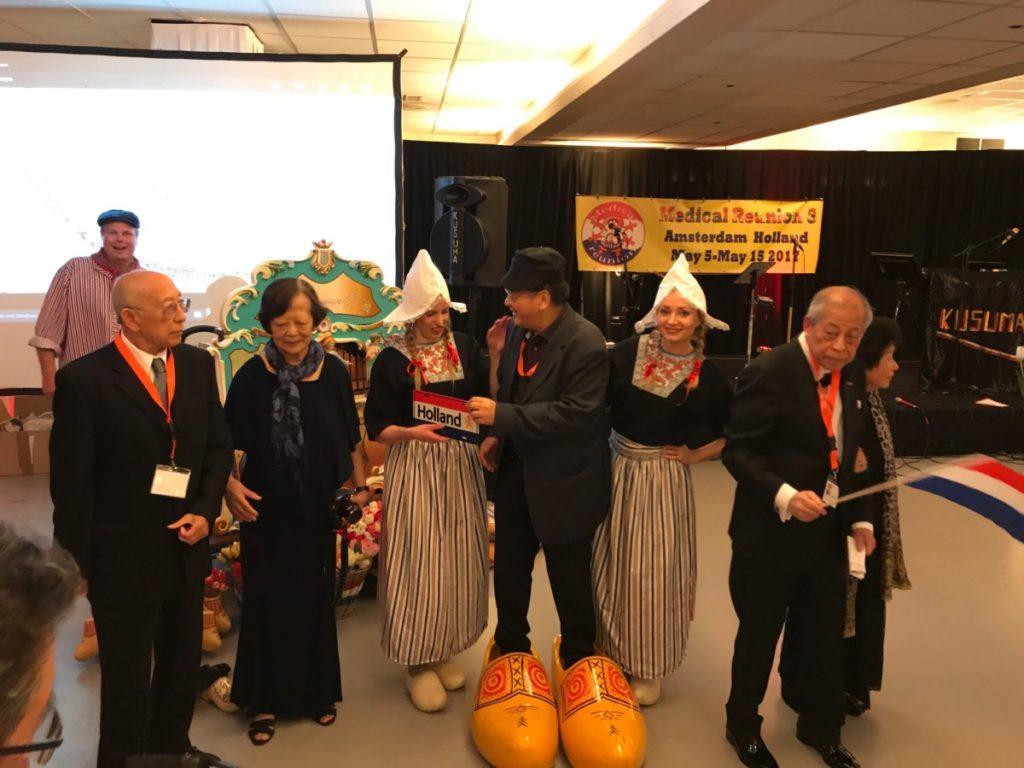 Holland in een notendop draaiorgel hollands entertainment klompenmeisjes