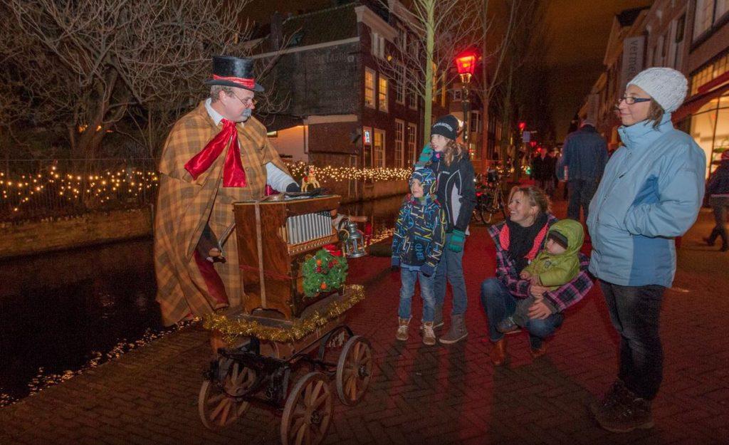 Kerst draaiorgel Dickens orgelman