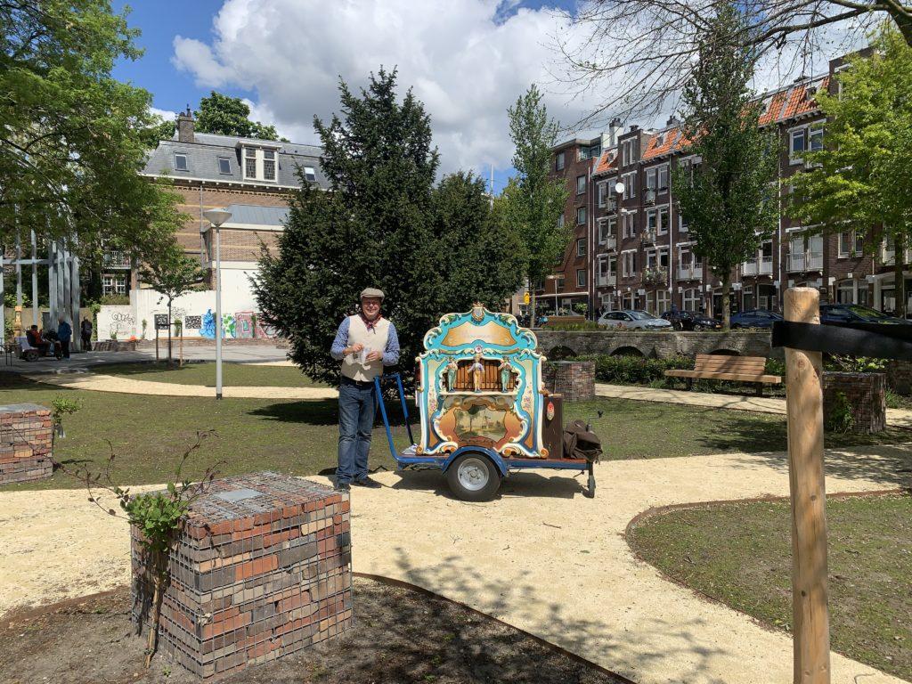 Domela nieuwenhuisplantsoen amsterdam draaiorgel pierementje