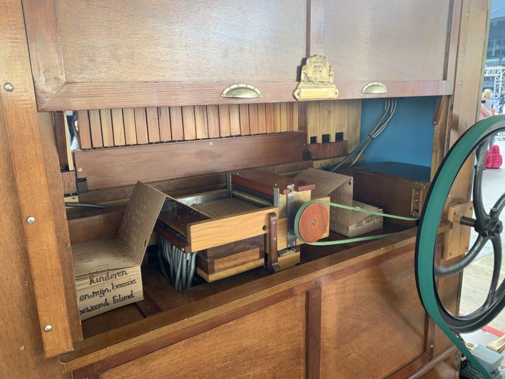 draaiorgelboek, draaiorgelverhuur, draaiorgel huren, draaiorgeltje, orgelboek
