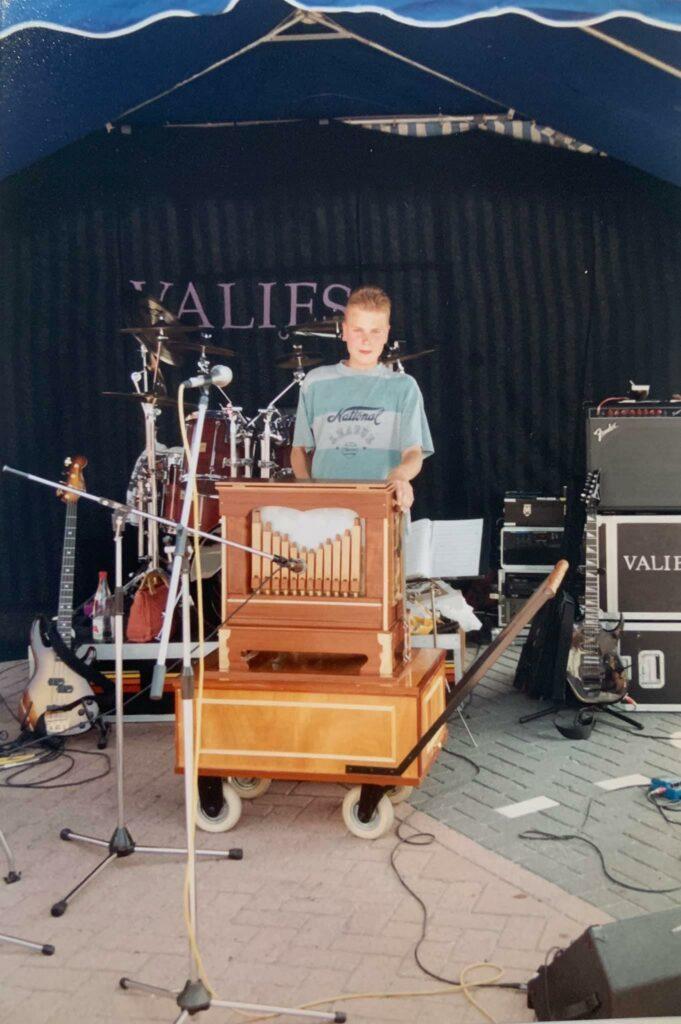 Hiddo van Os draaiorgel orgelman accordeonist draaiorgelverhuur huren te huur
